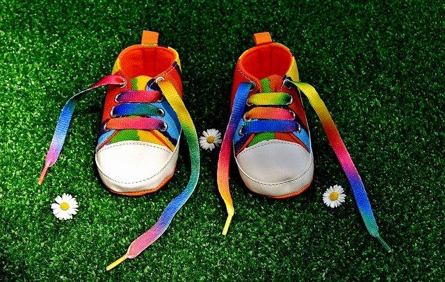 保育園で靴の名前どこに書く?直接書きたくない場合どうする